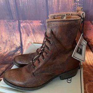 FRYE Carson Lug Boots Cognac!